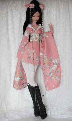 https://flic.kr/p/nmaMNp | Lillycat Cerisedolls Ellana | Finally had time to actually finish this short kimono and also do a proper belt for it.  I really need a kimono like this for myself... although, those long sleeves would be kind of difficult when gardening or cleaning up the house... ;)