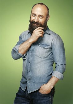 faux-fuyants:  Turkish actor Halit Ergenç, photographed by Murat Süyür forGQ Turkey