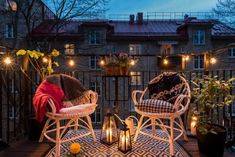 vivere il terrazzo in autunno, 8 idee. Outdoor Chairs, Outdoor Furniture Sets, Outdoor Decor, Terrazzo, Decoration Design, Home Projects, Wicker, Sweet Home, Home And Garden