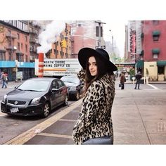 Manhattan strolls with the gorgeous Ashleigh . Welcome, Manhattan, Hipster, Image, Style, Fashion, Swag, Moda, Hipsters