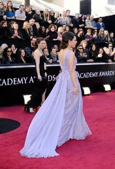 Mila Kunas dress