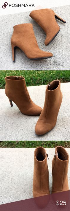 ✨SALE✨Forever 21 Chestnut Ankle Booties Forever 21 Chestnut Ankle Booties. Worn only a few times. No signs of wear. Forever 21 Shoes Ankle Boots & Booties