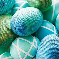 Decorate Easter eggs for a coastal holiday with watery hues of turquoise, aqua, and seaglass. We'll show you how, step-by-step. Farmhouse Dining Room Table, Dining Room Table Decor, Easter 2021, Cheap Office Decor, Cheap Flowers, Easter Traditions, How To Cook Eggs, Egg Decorating, Flower Decorations
