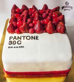 pantone cake
