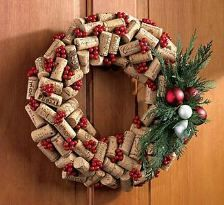 Holiday Wine Cork Wreath - could I make this???  I do have a ton of wine corks I've been saving for a rainy day.