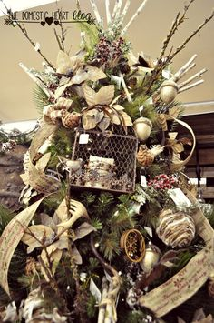 Do you need a little inspiration for trimming your tree this year? Here's 14+ amazing Christmas tree decorating ideas from TheDomesticHeart.com