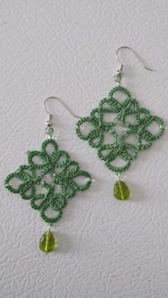 Green hand tatted lace