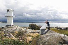 Bröllopsporträtt i skärgården. Vilken ära att få följa er under er stora dag. #septemberhimmel