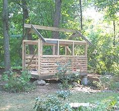 Pallet House/Shed. Would be awesome to build a chicken coop and a tractor shed.