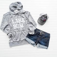 Love my time at the Lake! This Lake Bum Hoodie is perfect for crisp early mornings sitting on the dock watching boats drive by. Or late night boat cruises. Modern Outfits, Casual Summer Outfits, Lake Wear, Comfy Hoodies, Sweatshirts, Boat Shirts, Fishing Shirts, Lake Life, Shirts With Sayings
