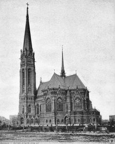 Luther Kirche. Widok od południa. Lata 1910-1920 Lutheran, Warsaw, Art And Architecture, Old World, Barns, Old Photos, Poland, Gothic, Photographs