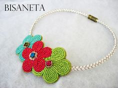 cool flowers necklace.