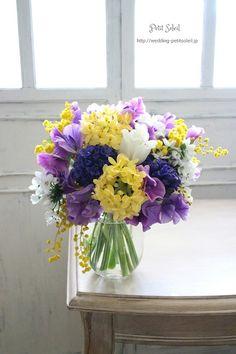 ブーケ 紫 イエロー Yellow Bouquets, Purple Wedding Bouquets, Bridesmaid Flowers, Bridal Flowers, Flower Bouquet Wedding, Love Flowers, Beautiful Flowers, Purple Flowers, Bridesmaid Ideas