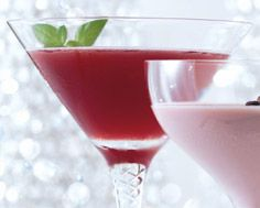 Mistletoe Cosmo- this should be good! Cosmo is my fave drink & I LOVE Chambord! Making it..:)