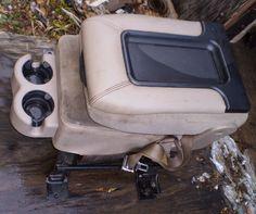 RARE 1999 2006 Silverado / GMC Sierra Avalanche 4x4 Z71 Console / Jump Seat TAN #19992006SilveradoGMCSierraAvalanche4x4Z71