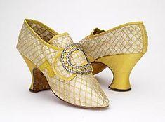 4e6a87ffa25b5c Die 82 besten Bilder von Historische Schuhe