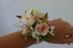 gorgeous wrist corsage #PROM