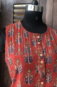 Salwar Kameez Neck Designs, Silk Kurti Designs, Simple Kurta Designs, Kurta Designs Women, Collar Kurti Design, Kurta Neck Design, Collar Designs, Neck Designs For Suits, Sleeves Designs For Dresses