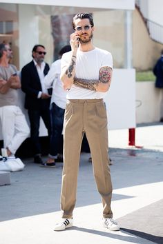 Great outfit with a strong personal look! Captured in fashion week. #streetstyle #mens #fashion