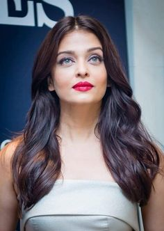 Aishwarya Rai Bachchan, who is currently in Australia for a launch event, gets clicked in her ivory off shoulder gown. Aishwarya Rai Young, Aishwarya Rai Photo, Actress Aishwarya Rai, Aishwarya Rai Bachchan, Off Shoulder Gown, Influential People, Beauty Queens, Most Beautiful Women, Beautiful Actresses