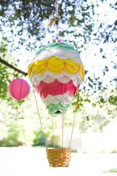 Hot Air Balloon Pinata for Wizard of Oz Party. in 2019 Wedding Pinata, Wedding Balloons, Party Wedding, Wedding Stuff, Air Ballon, Diy Hot Air Balloons, Wedding Gift Bags, Family Birthdays, Christmas Crafts