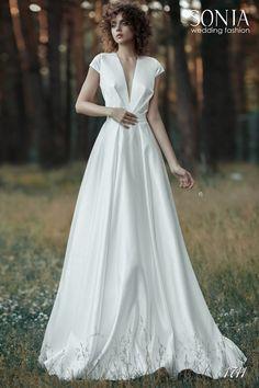 Свадебное платье 1711 One Shoulder Wedding Dress, Wedding Dresses, Winter Weddings, Wedding Things, Fashion, Bride Dresses, Moda, Bridal Gowns, Fashion Styles