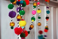 my kiddo's would absolutely love this ... Aunt Peaches: Pom Pom Garland