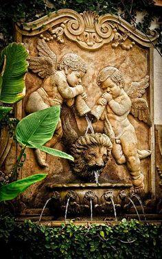 Winged lion and cherubs fountain, France Voyage Visuel Diy Garden Fountains, Garden Statues, Wall Fountains, Garden Sculptures, Dream Garden, Garden Art, Garden Design, Parks, Water Features In The Garden