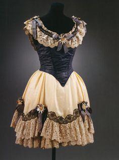 "dress of Lydia Lopokova in the ballet ""La boutique fantasque"" ♥ www.thewonderfulworldofdance.com #ballet #dance"