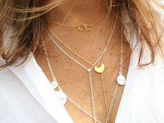 How To Layer Gold Necklaces Like A Fashionista, According To A Jewelry Designer | Bustle