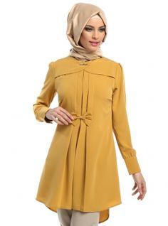 Stylish Hijab, Stylish Dresses, Nice Dresses, Fashion Dresses, Kurti Neck Designs, Blouse Designs, Pakistani Formal Dresses, Muslim Women Fashion, Street Hijab Fashion