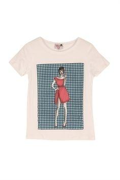 camiseta Dolores Promesas con fondo vichy.... nos encanta. ae71fc34c30bb
