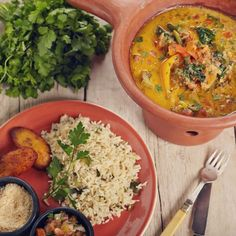 Half of Britain's top restaurant chains can't offer one vegan main course. The good news is the other half can. Vegan Friendly Restaurants, Vegan Restaurants, Veggie Recipes, Vegetarian Recipes, Veggie Food, Veggie Restaurant, Lunches And Dinners, Meals, Vegan London