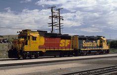 Santa Fe Railway GP30 locomotives 2725 and 2759