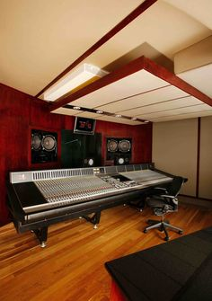 Main Control Room, Jay Z (Roc The Mic Studios), Control Room, New York (Design by WSDG)