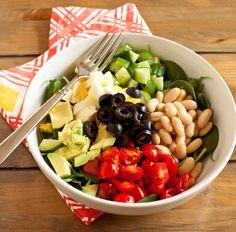 salata de fasole si avocado Romanian Food, Healthy Salad Recipes, Avocado, Home Remedies, Cobb Salad, Food Porn, Food And Drink, Healthy Eating, Vegan