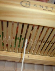 Quiero Pura Lana: 1° CLASE DE TELAR: antes de empezar a tejer Tin Can Art, Knit Mittens, Loom Weaving, Yarn Crafts, Projects To Try, Artisan, Margarita, Grunge, Crochet