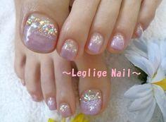 soft lavender toe nails