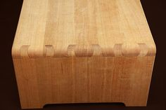 Wood Craftman Kintaro Yazawa's Original Joint Work: Twisted Dovetale Teatable