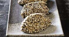 Have you ever heard of pellets? The recipe dates back 6000 years. What does pastels means? Pastel is a mixture of two super healthy foods: sesame and honey. Here is the recipe. 5 from 1 reviews 6000 Year Old Medicine – Pastel Recipe  Print Ingredients 300 grams of tahini (a paste which is made [...]