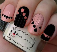False nails have the advantage of offering a manicure worthy of the most advanced backstage and to hold longer than a simple nail polish. The problem is how to remove them without damaging your nails. Winter Nails, Spring Nails, Valentine Nail Art, Different Nail Designs, Nail Designs With Hearts, Nagellack Trends, Nail Polish, Pink Polish, Black Polish