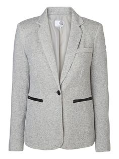 Classic grey blazer from VERO MODA. #blazer #fashion #veromoda