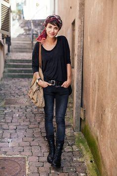 Scarf Only, Tee-shirt LnA, Jeans Asos, Belt &Other Stories, Boots Anne Demeulemeester, Bag Asos,Watch Sekonda, Necklace Edor