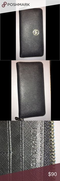 Michael Kors wallet Michael Kors wallet                                                    Never been used just been sitting my closet. Michael Kors Bags Wallets