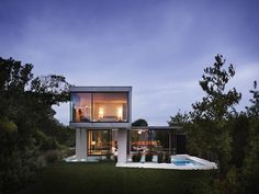 Contemporary Surfside Residence in the Hamptons - My Modern Met