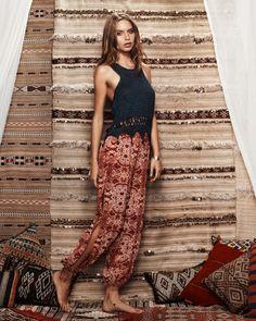 Tigerlily Riad Paisley Pants - Shorts & Pants