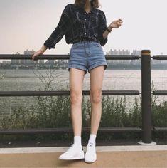korean street fashion which is trendy. - Ji-yeon's ~ Korean Fashions - korean street fashion which is trendy. korean street fashion which is trendy. Korean Fashion Trends, Korea Fashion, Asian Fashion, Look Fashion, Teen Fashion, Fashion Outfits, Fashion Tips, Fashion Styles, Fashion Women