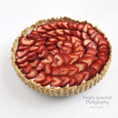 Strawberry Mascarpone Tart - Fresh fruit combined with a creamy filling. Easy and very tasty dessert.