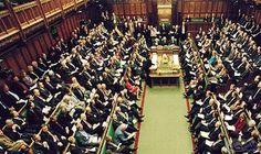 المشرعون البريطانيون يصوتون على ترك قصر وستمنستر لإعادة ترميمه: المشرعون البريطانيون يصوتون على ترك قصر وستمنستر لإعادة ترميمه