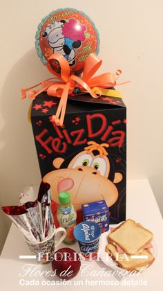 DESAYUNOS A DOMICILIO!!! Cute Surprises, Baby Shower, Candy Bouquet, Catering, Valentines Day, Happiness, Diy Crafts, Breakfast, Cake
